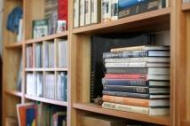 books-3-1423920-639x426